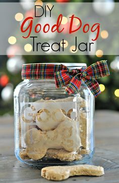 13 DIY Gifts for Dogs and Dog Lovers - including this etched treat jar! Puppy Treats, Diy Dog Treats, Homemade Dog Treats, Dog Treat Recipes, Homemade Gifts, Diy Gifts, Dog Food Recipes, Party Gifts, Christmas Treats
