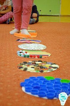 Sensory course for feet or hands * 2018 * Baby Sensory Board, Sensory Wall, Sensory Boards, Sensory Activities, Infant Activities, Activities For Kids, Teaching Kids, Kids Learning, Toddler Sense