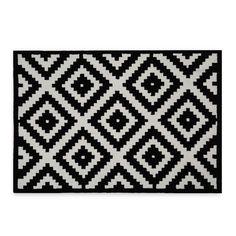 Tapis en     fibre acrylique.     Motifs     géométriques.     Tapis     mœlleux de 1,3 cm d'épaisseur.     Une     touche unique et élégante pour tous les sols.     Idéal     pour le salon ou le bureau.  Le Tapis SPARKOW est une solution pratique pour ajouter une touche unique à n'importe quelle pièce. Sa composition subtile de motifs géométriques offre une image très attractive et dynamique visuellement. Son air décontracté n'en oublit pas pour autant l'élégance, l&#39...
