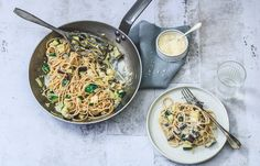 Spaghetti bianca Spaghetti, Love Food, Pizza, Fruit, Cooking, Ethnic Recipes, Drinks, Zucchini, Cucina
