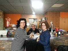 Ana y Pilar con Sara.... aperitivo antes de comer... #castellon #restaurante