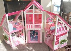 The One and Only Mattel Barbie 1978 A Frame DreamHouse Website For Devoted Fans: Barbie's Totally Pink House - Fall 2016 Edition dream house Mattel Barbie, Barbie And Ken, Barbie Dolls, Barbie Stuff, Vintage Barbie, Vintage Toys, Barbie Dream House, Childhood Days, Pink Houses