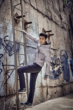 Taecyeon looks manly and athletic in outdoorsy photo shoot | allkpop.com