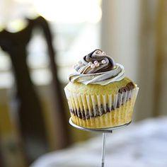 Vanilla & Chocolate Swirl Cupcakes (Easy; 12 cupcakes)