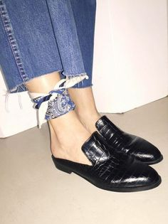 ARE YOU A FLATS GIRL OR A HEELS GIRL? | TheyAllHateUs
