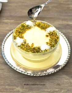 Ashtalieh/ Ashtalleya with Desiccated Coconut Lebanese Cuisine, Lebanese Recipes, Arabic Sweets, Arabic Food, Arabic Dessert, Ramadan Desserts, Ramadan Food, Greek Desserts, Sweets Recipes