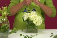 How to Create Elegant and Simple Centerpieces for a Wedding/Event | eHow