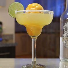 Rum Cocktail Recipes, Fruity Cocktails, Cocktail Drinks, Mango Tart, Mango Sorbet, After Dinner Cocktails, Mango Cocktail, Tipsy Bartender