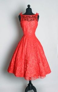 A coral 1950s dress with a delicate lace overlay.  #1950s #lace #dress