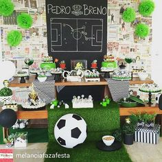 Love the chalkboard ! Soccer Birthday Parties, Football Birthday, Soccer Party, Sports Party, Birthday Boys, Kids Party Decorations, Party Themes, Soccer Decor, Soccer Banquet