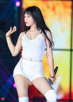 This is the APINK Eunji fans are waiting for - Sexy K-pop Kpop Girl Groups, Korean Girl Groups, Kpop Girls, Eun Ji, Stage Outfits, Kpop Outfits, Asian Woman, Asian Girl, Cosmic Girl