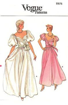 Vogue 8976 Fashion Diva Evening Dress 1980's Vogue Patterns, Dress Patterns, 1980s Costume, 1980s Dresses, Tent Dress, Miss Dress, Diva Fashion, Size 14 Dresses, Bridal Dresses