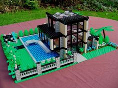 Glass House - a view of front by Mandy Dee, via Flickr