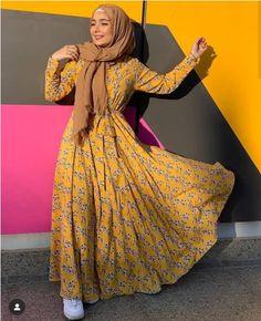 Trendy hijab style 2019 Just Trendy Girls – Hijab Fashion 2020 Islamic Fashion, Muslim Fashion, Modest Fashion, Fashion Dresses, Modest Dresses, Modest Clothing, Modest Outfits, Abaya Fashion, Fashion Wear