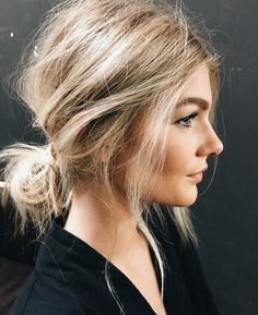 Effortlessly undone hair beauty 35 classy and modern messy hair looks you should try Low Bun Hairstyles, Pretty Hairstyles, Wedding Hairstyles, Fall Hairstyles, Shoulder Length Hairstyles, Hairstyles Pictures, Blonde Hairstyles, Simple Hairstyles, Everyday Hairstyles