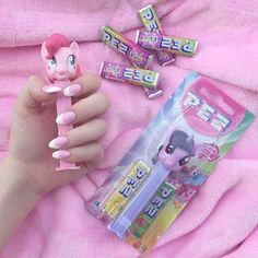 Anime Doll PEZ candy MLP via @bubbleguumm.weheartit.com Candy Dispenser, Gumball Machine, Anime Dolls, Bubblegum Pink, Equestria Girls, Girly Things, Girly Stuff, Bubble Gum, My Little Pony