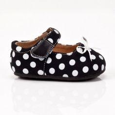 Infant Shoes by pandora's box