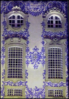 Janelas da Igreja da Ordem do Carmo (Windows of the Church of the Order of the Carmo, Porto, Portugal