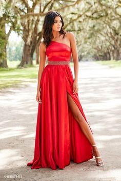 0803d3fe452 7 Best Red Prom Dresses images in 2019
