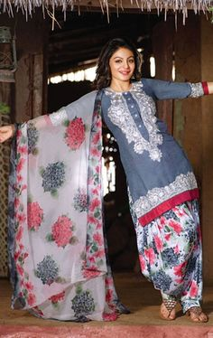 Make your look Punjabi style grey and white color patiala Salwar kameez beautified with printed pattern on patiala salwar and dupatta border work and embroidery work on top. Punjabi Fashion, India Fashion, Grey Fashion, Pakistan Fashion, Punjabi Dress, Punjabi Suits, Pakistani Outfits, Indian Outfits, Patiala Salwar Suits