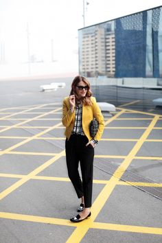 . Chaqueta / Jacket: Hoss Intropia via Girissima (HERE) . Camisa / Shirt: Frontrowshop . Pantalones / Trousers: Zara . Zapatos / Shoes: Valentino . Gafas / Sunglasses: Italia Independent