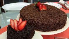 Para quem gosta de bolo de chocolate, a receita de Bolo Nega Maluca Fácil vai cair como uma luva, pois é uma receitamuito prática e saborosa. Faça hoje m