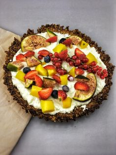 Breakfast Fruit Tart with Granola Crust. This easy fruit and yogurt healthy, breakfast tart is very easy and quick to make. A healthy breakfast tart that fills very well and you can also vary with the topping. The recipe is on organichappiness.nl or you can find it by clicking the 'visit' button.