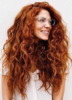 Easy chic hairstyles - Tattoo Ideas - DIY Garden Flower - Cute Home Decorations - Red Hair Styles - DIY Hoop Errings Long Red Hair, Wavy Hair, Curly Ginger Hair, Red Hair Perm, Long Curly Hair, Dyed Hair, Blonde Hair, Curly Hair Styles, Natural Hair Styles