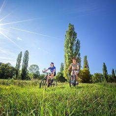 Balade à vélo, découverte du Pays de Gourdon  En famille en vacances, Pays de Gourdon ! #gourdon #concores #igersgourdon #espritlot #igerslot #igersmidipyrenees #tourismemidipy #tourismemidipyrenees #velo #vacances# #lot #paysdegourdon #famille #enfants #ado