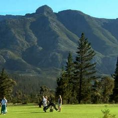 Play golf in Swellendam,  9 holes, par 72 golf course is unique in it's beautiful setting - nestling at the foot of the magnificent Langeberg mountains, with views overlooking the town, surrounding farms and the Hermitage Valley.