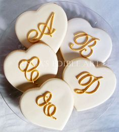 Galletas - Cookies - Monogrammed Hearts by LindasEdibleArt on Etsy Heart Cookies, Biscuit Cookies, Cute Cookies, Baby Cookies, Cocoa Cookies, Galletas Cookies, Sugar Cookies, Valentine Cookies, Christmas Cookies
