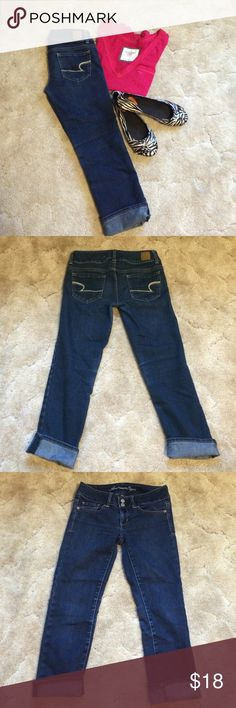 American Eagle Jean Capris American Eagle Artist capris with two button/zip fly front. Five pocket style. Cuffed bottom can be unrolled. Size 2. Great pre-loved condition! American Eagle Outfitters Jeans Ankle & Cropped