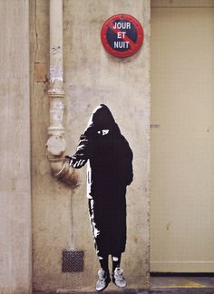 The true pioneer of street art, Blek le Rat has inspired generations of artists across the globe including such famous names as Banksy and Icy and Sot. Stencil Graffiti, Graffiti Wall Art, Graffiti Lettering, Stencil Art, Street Art Graffiti, Stencils, Graffiti Artists, Arte Banksy, Blek Le Rat