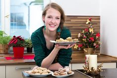 Druhý díl vánočního seriálu je tady a s ním i tři skvostné tipy na nejlepší cukroví s ořechy. Dáte přednost pusinkám, zdravé verzi nebo slepované klasice?