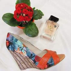 Lanvin Parfums Me and the Errol Arendz Wedge, just what you need to best enjoy a happy summer's day! Happy Summer, Lanvin, Fragrances, Wedge, Footwear, Accessories, Platform, Shoe, Wedges
