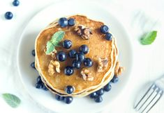 Pancakes are a breakfast staple across the globe and while making them seems pretty straightforward, there are a few things to keep in mind before whipping up your next batch. How To Make Pancakes, Pancakes And Waffles, Food Crush, Fabulous Foods, Low Carb Diet, Coffee Cake, Low Carb Recipes, Sweet Recipes, Healthy Snacks