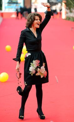 Imgs For > Fanny Ardant 2013 Parisienne Chic, Mature Fashion, Advanced Style, French Actress, Female Actresses, Celebs, Celebrities, Red Carpet Fashion, New Outfits
