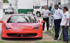 Mexico. - Los taxistas de Quintana Roo buscan competir con Uber con un servicio de lujo: llevando a sus pasajeros en autos de las marcas Lamborghini,  Audi,  Mercedez Benz y hasta de Ferrari.    El