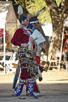 beautiful native American jingle dress dancer at a pow wow Native American Regalia, Native American Beauty, Native American Photos, American Indian Art, Native American History, Early American, Jingle Dress Dancer, Powwow Regalia, Pow Wow
