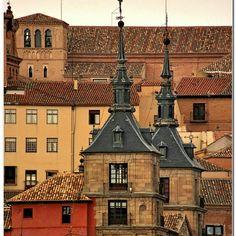 Torres gemelas del Ayuntamiento.Toledo