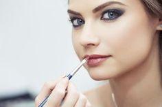 Réaliser un maquillage simple en 5 minutes chrono ! - Madame...