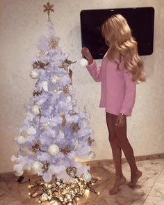 Спасибо Дедушка Мороз 😀😍 There's nothing better than going barefoot for Christmas. Pink Christmas Lights, Pink Christmas Decorations, Little Christmas, Christmas And New Year, All Things Christmas, Christmas Presents, Christmas Holidays, Classy Christmas, Christmas Jumpers