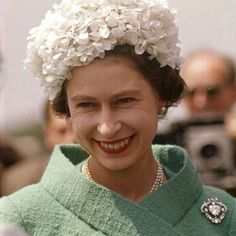 The Queen wearing the Cullinan V Heart brooch