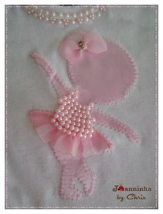 Best Ideas For Patchwork Baby Ideas Kids Ribbon Embroidery, Embroidery Designs, Baby Frocks Designs, Patchwork Baby, Baby Set, Little Girl Dresses, Baby Sewing, Baby Quilts, Diy Clothes