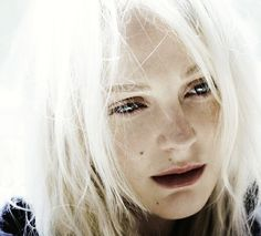 Laura Marling. This is my favorite hair look on her I think.