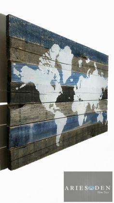 World Map on Wood | Blue | Wall Art | Wall Decor | Mappemonde sur Bois | Bleu | Art Déco | | Déco Murale