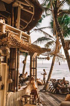 Bali& Best Sunset Spot: The new La Brisa Beach Club .- Bali's Best Sunset Spot: Der neue La Brisa Beach Club von Canggu – Jetset Christian photo. Ubud, Beach Club, Bali Travel Guide, Asia Travel, Mexico Travel, Travel List, Spain Travel, Places To Travel, Travel Destinations