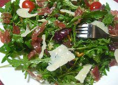 Vegetable Salad, Seaweed Salad, Bon Appetit, Feta, Food And Drink, Low Carb, Cheese, Vegetables, Cooking