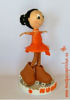 Nuria, la princesa del Patinaje Artístico Table Lamp, Dolls, Piano, Home Decor, Rhythmic Gymnastics Costumes, Figure Skating, Princesses, Good Morning, Artists