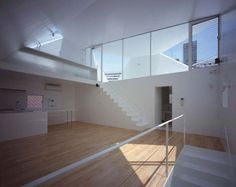 Surprising Architecture with Dynamic Angular Perspectives in Tokyo